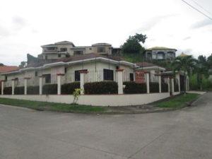 Vista Esquina Casa Residencial Las Colinas