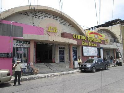Fachada Frontal Centro Comercial Los Arcos