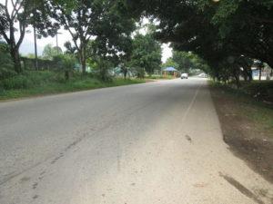 Acceso Carretera hacia Tela Casa El Pino