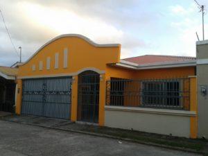 Fachada frontal casa Andalucia, La Ceiba Honduras