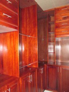walking closet dormitorio principal casa Monte Carlo La Ceiba Honduras