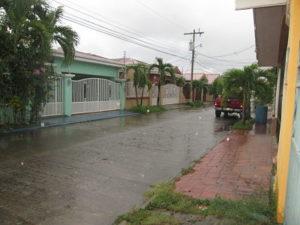 acceso desde el este casa Andalucia II La Ceiba Honduras